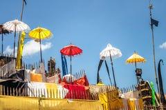 在传统仪式期间的巴厘语寺庙在Ubud,Gianyar 库存图片