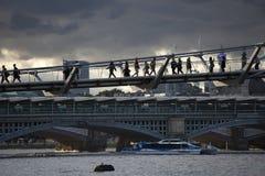 在伦敦上的积雨云capillatus在秋天 免版税图库摄影