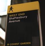在伦敦伦敦西区伦敦英国的Shaftesbury大道 免版税库存图片