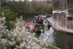 在伦敦渠道的14/04/2018河船 免版税库存照片
