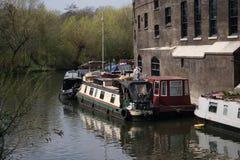 在伦敦渠道的14/04/2018河船 免版税图库摄影