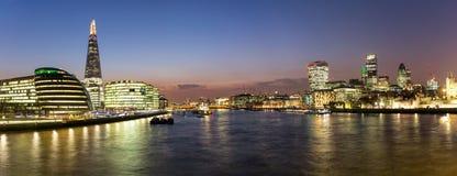在伦敦的全景从香港大会堂到城市 库存照片