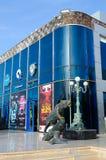 在伦敦苏豪区广场冰酒吧和Pangaea夜总会, Sharm El谢赫,埃及普遍的购物和娱乐区  库存图片