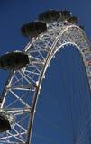 在伦敦蓝天的眼睛  库存照片