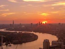 在伦敦财政市的日落 库存照片