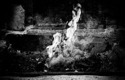 在伪造的煤炭火 免版税库存照片