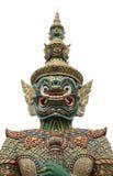 在位于Wat的寺庙前面的巨型立场Phra Keaw白色 免版税库存图片