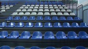 在体育场的椅子 股票录像