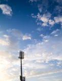 在体育场的聚光灯 库存照片