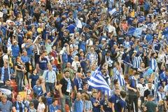 在体育场的足球迷 免版税图库摄影
