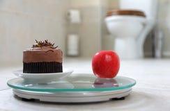 蛋糕或苹果 免版税图库摄影