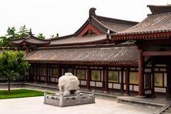 在佛教寺庙的大象雕象- XI的`,中国 免版税库存图片
