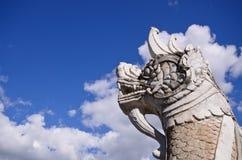 在佛教寺庙的娜卡或纳卡语头或者蛇在Wat Phumin是在楠府,北泰国的地标 图库摄影