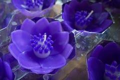 在佛教寺庙的莲花蜡烛 免版税图库摄影
