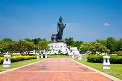 在佛教徒的菩萨雕象 免版税库存照片