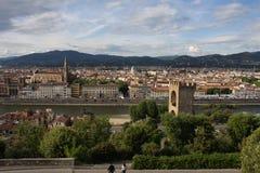 在佛罗伦萨意大利的VPanoramic视图有城市河的,托斯卡纳,意大利 库存图片