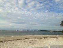 在佛罗里达海滩的多云天 图库摄影