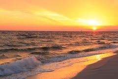 在佛罗里达海滩的日落, 免版税库存照片