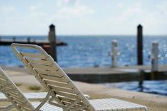 在佛罗里达群岛的海滩松弛地区 免版税图库摄影