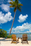 在佛罗里达钥匙的两把椅子 库存图片