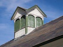 在佛蒙特谷仓的老被绘的圆屋顶 免版税库存图片
