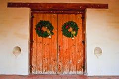 在使命圣胡安包蒂斯塔的门道入口 免版税库存照片