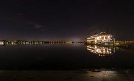 在使命海湾,圣地亚哥的河船 库存图片