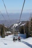 在使命里奇滑雪地区的驾空滑车, Wenatchee,华盛顿 免版税库存图片