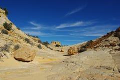 在侧峡谷,犹他的多彩多姿的岩石 免版税库存照片