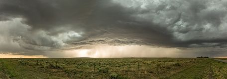 在俄克拉何马和新墨西哥边界的Black Mesa雷暴  免版税库存图片