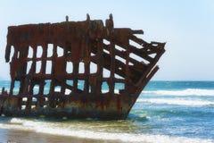 在俄勒冈海岸的彼得Iredale海难 库存照片
