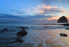 在俄勒冈海岸的日落 库存照片