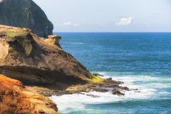 在俄勒冈海岸的海角Kiwanda 免版税库存图片