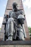 在俄国战争纪念建筑的雕象在treptow柏林德国 免版税图库摄影