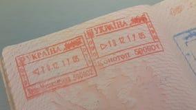 在俄国护照的签证图章 股票视频