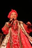 在俄国歌曲nadezhda babkina和剧院俄国人歌曲的全国民歌手的阶段的表现 免版税库存照片