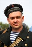 在俄国苏联一致的第二次世界大战的军事再enactor 俄国士兵-军事水手 免版税图库摄影
