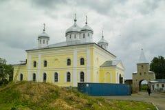 在俄罗斯的Meshchovsk卡卢加州地区镇改造圣乔治修道院  库存图片