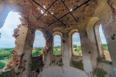 在保佑的维尔京的做法的被放弃的教会下圆顶  图库摄影