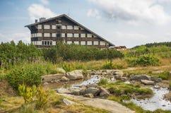 在保加利亚山Pirin的Bezbog小屋 库存照片