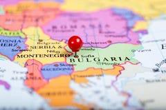 在保加利亚的地图的红色推挤别针 免版税库存图片