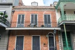 在保守主义者街上的美丽如画的古老豪宅 法国新奥尔良季度 免版税库存图片