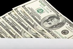 在信封的一百元钞票 免版税库存照片