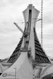 在修理中蒙特利尔奥林匹克体育场塔 库存照片