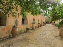在修道院Arkadi的里面 图库摄影