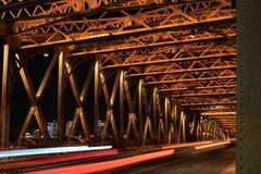 在债券的婚姻的桥梁在上海 库存照片