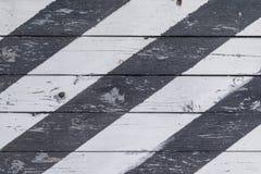 在倾斜条纹的木盾 图库摄影