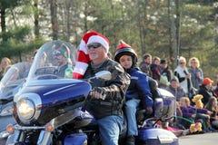 在假日的队伍的摩托车车手游行, Glens Falls,纽约, 2014年 图库摄影