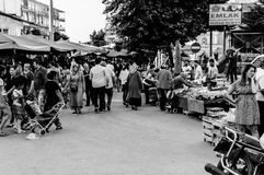 在假期期间的土耳其夏天镇-土耳其 库存照片