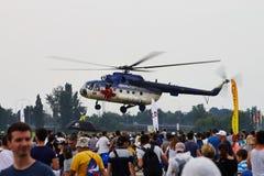 在偏心的米-17直升机2015年 库存照片